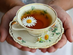 Camomile Tea Benefits & Side Effects